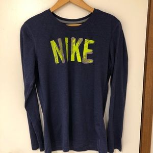 Long-Sleeve Nike !!